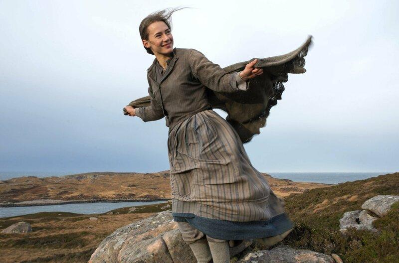 Der Held der Geschichte verliebt sich in Rose Ross (Caren Pistorius) und folgt ihr von Schottland in die USA. – Bild: Prokino/Eva Vermandel / © Prokino/Eva Vermandel