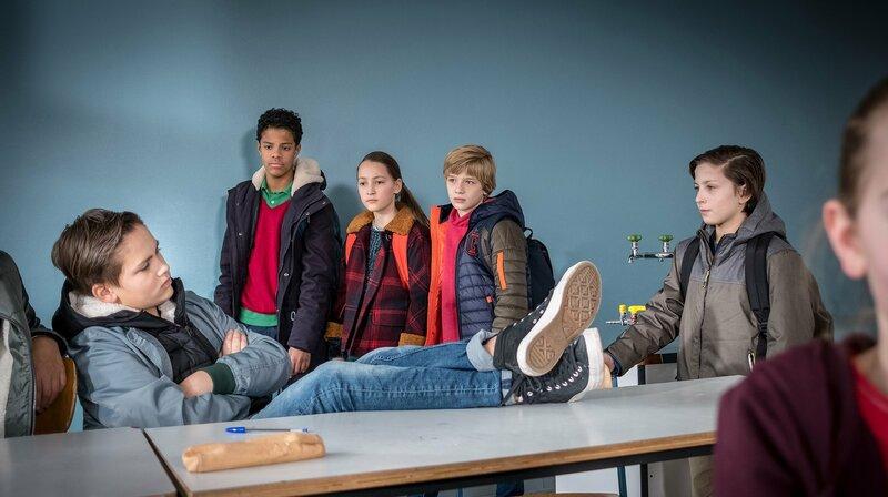 In der Klasse hat Neuankömmling Yanis es sichtlich schwer – Bild: NDR/Boris Laewen