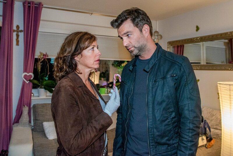 Julia Cencig (Nina Pokorny), Jakob Seeböck (Lukas Roither). – Bild: ZDF