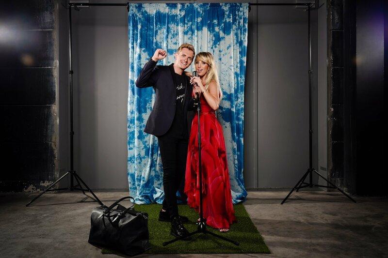 Tim Sandt und Annemarie Eilfeld. – Bild: TVNOW