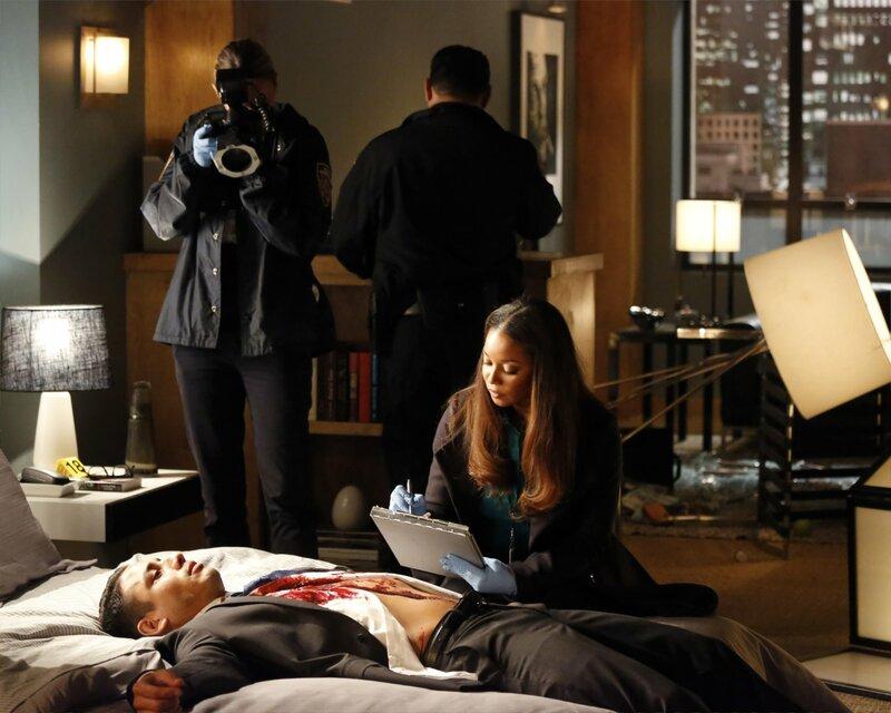 Als ein neuer Mordfall geschieht, müssen Castle und Beckett mit Elizabeth Weston (Salli Richardson-Whitfield) zusammenarbeiten ... – Bild: Universal TV