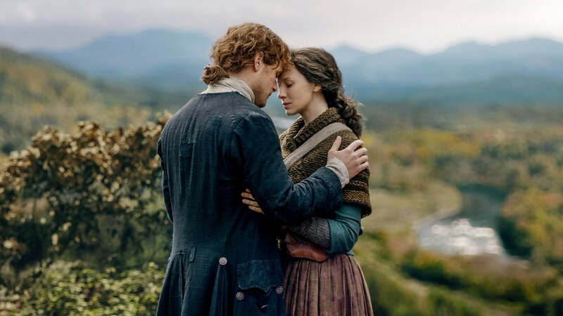 Claire (Caitriona Balfe), Jamie (Sam Heughan) – Bild: TVNOW / © 2018 Starz Entertainment, LLC
