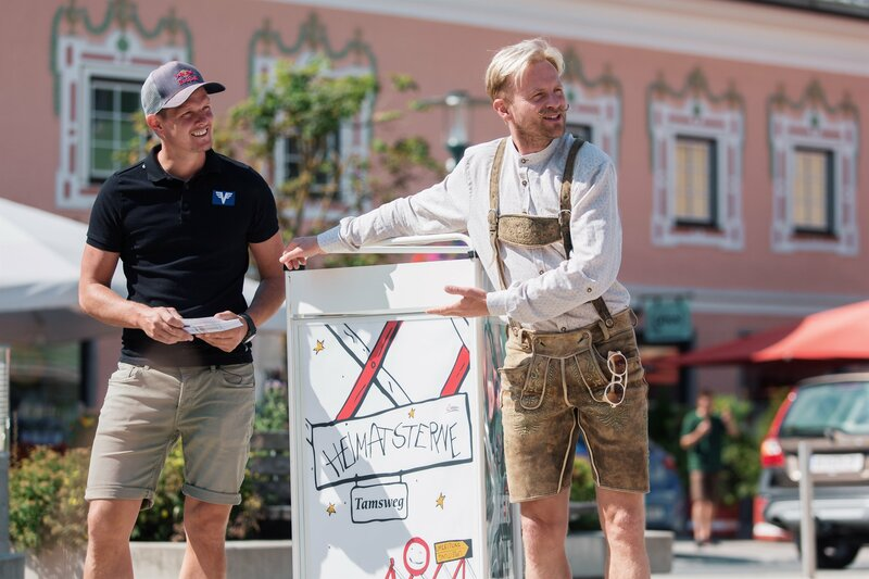 L-R: Thomas Morgenstern und Willi Gabalier – Bild: ServusTV / Daniel Götzhaber