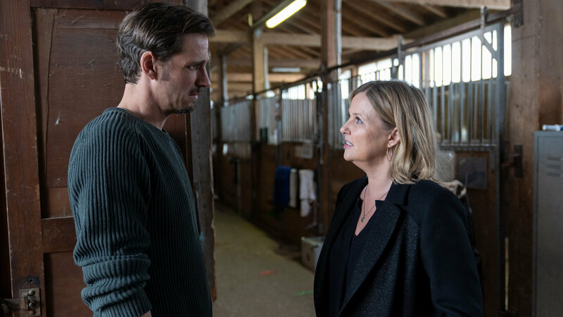 Die Chefin Kaltblütig Max von Thun als Peter Ignaz, Katharina Böhm als Vera Lanz SRF/ZDF/Michael Marhoffer – Bild: SRF1