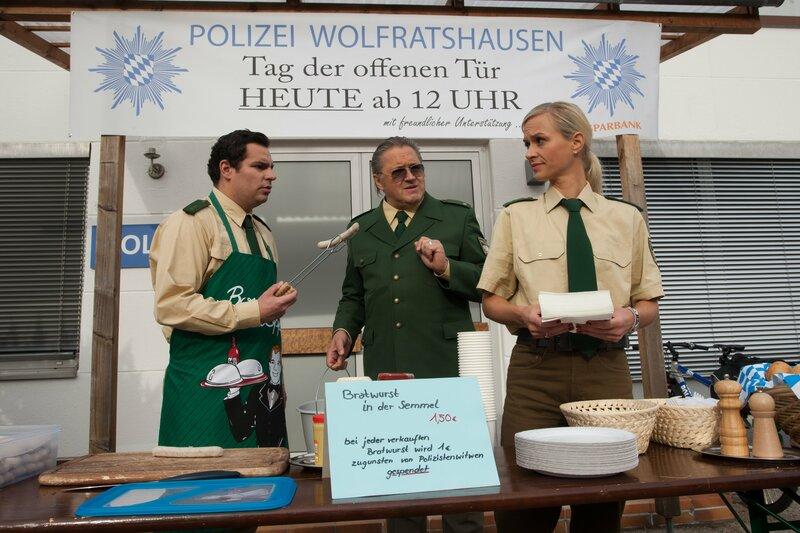 L-R: Martin Riedl (Paul Sedlmeir), Reimund Girwidz (Michael Brandner) und Sonja Wirth (Annett Fleischer) – Bild: TMG / Chris Hirschhäuser