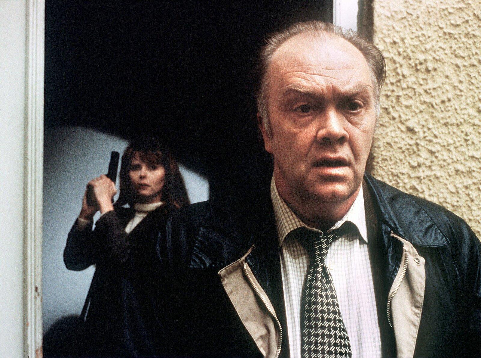 """Miriam Koch (Roswitha Schreiner) und Kommissar Flemming (Martin Lüttge) (Archivfoto """"Tatort – Der Spezialist"""", 1996) – Bild: WDR/H. Zinner"""