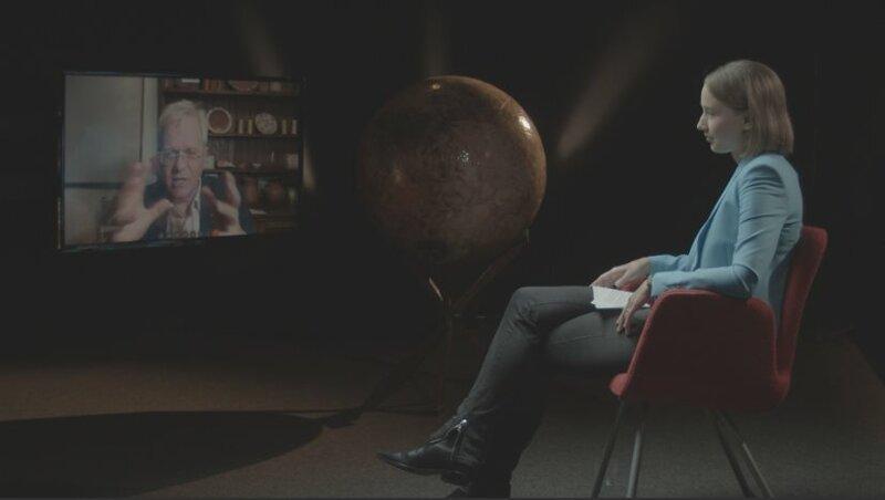 Der Nobelpreisträger und Sternenforscher Brian Schmidt im Gespräch mit Sibylle Anderl. – Bild: B.O.A. Videofilmkunst GmbH/BR