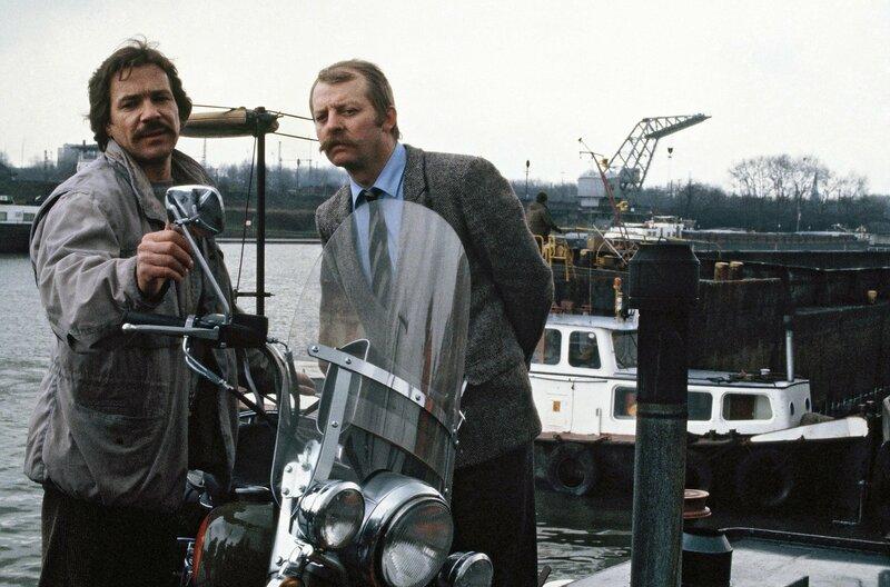 Horst Schimanski (Götz George, l) und Christian Thanner (Eberhard Feik) – Bild: WDR