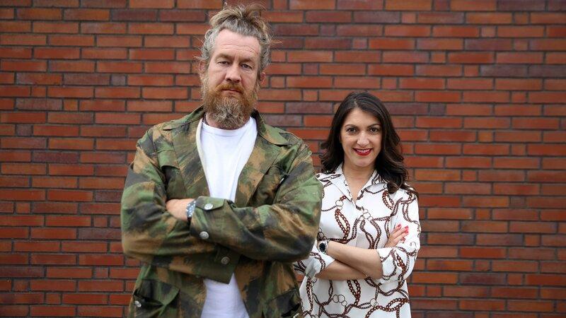Die beiden Experten Patrick Grabowski und Emitis Pohl stehen den Familien zur Seite – Bild: RTL Zwei