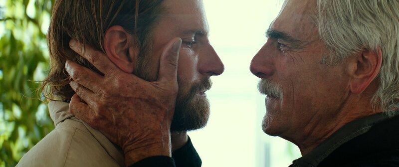 L-R: Jack (Bradley Cooper) und Bobby (Sam Elliott) – Bild: 2017 Warner Bros. Entertainment Inc. Lizenzbild frei