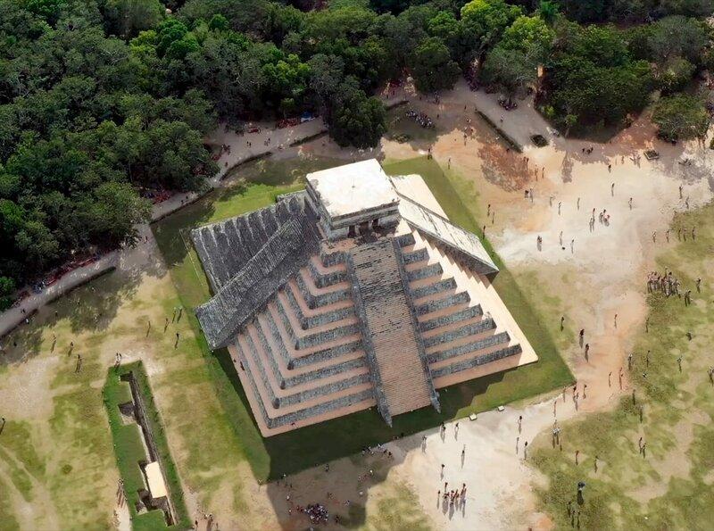 Chitzen Itza-Pyramide des Kukulcán auf der mexikanischen Halbinsel Yucatán. – Bild: phoenix/ZDF und Carsten Obländer – story