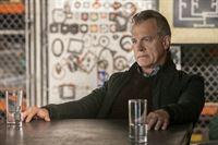 Wird Präsident Hathaway (Stephen Collins) dem Bündnis mit den Volm zustimmen oder hält er sie für Verräter? – © ProSieben MAXX