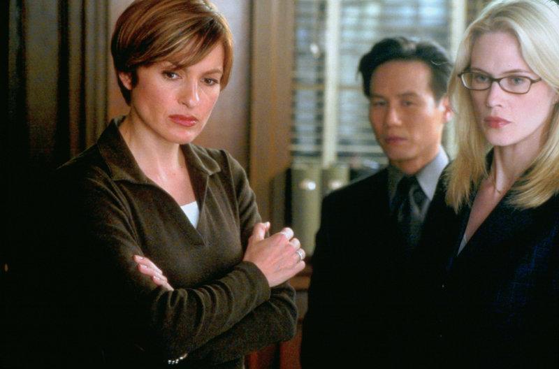 Law & Order Special Victims Unit Season4 EP PERFECT, Law & Order NY Staffel4, Regie USA 2002-03, Darsteller B.D. Wong, Mariska Hargitay, Stephanie March – Bild: Nitro.