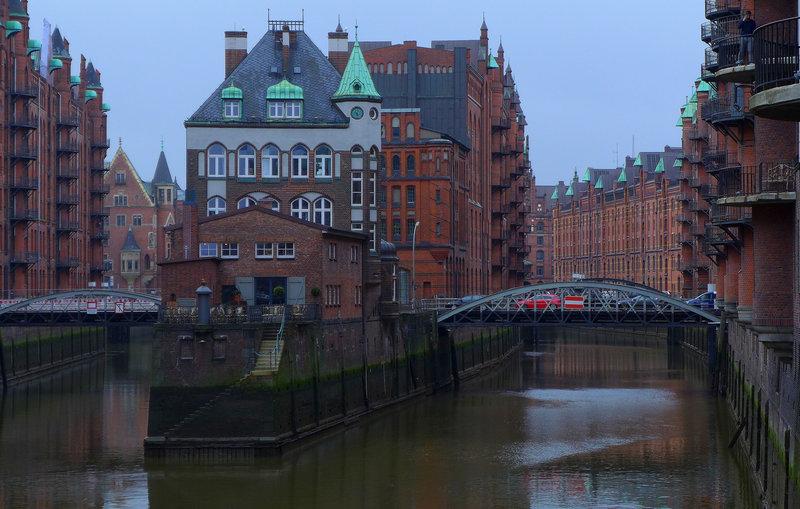 Das Wasserschlösschen in der Speicherstadt in Hamburg. – Bild: ZDF und SWR/Martin Thoma