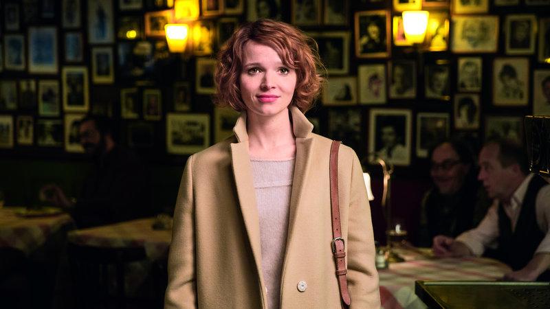 Clara (Karoline Herfurth) – Bild: 2017 Warner Bros.