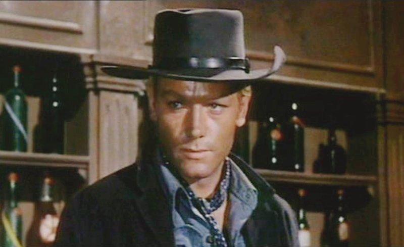C'est la fin de la guerre de Sécession. Jim Slade rentre chez lui à Tucson. Là-bas, il apprend que la bande de Corbett a détruit la ferme familiale et assassiné ses parents. Désormais, Slade veut se venger. Afin de gagner un peu d'argent, il accepte un poste de shérif dans une petite ville. – Bild: epp