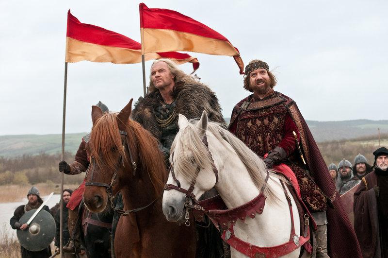 König John (Paul Giamatti, re.) und Tiberius (Vladimir Kulich) – Bild: RTL II