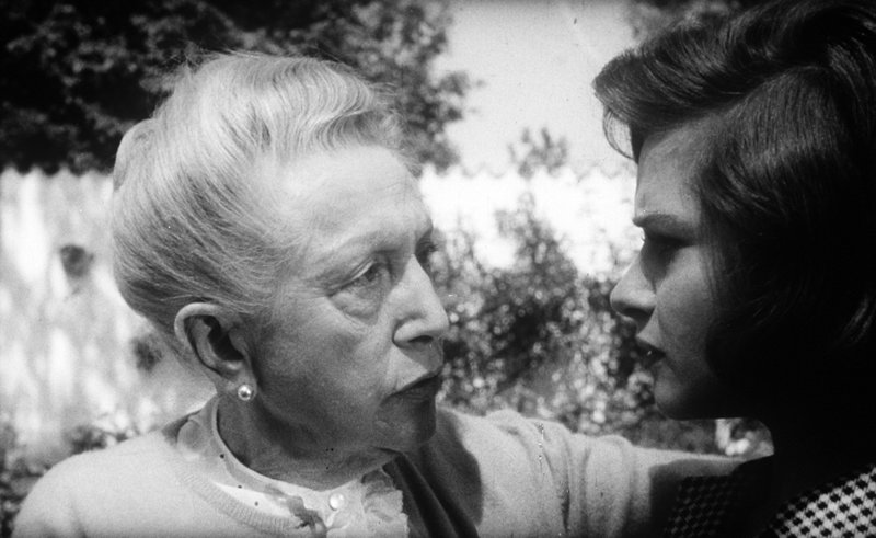 Agnes Windeck, Gertraud Jesserer. – Bild: ORF