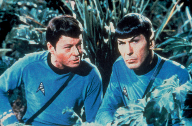 Star Trek TOS, Raumschiff Enterprise, Idee Gene Roddenberry USA 1966-1969, Darsteller Season: 02 Episode: 038 1967-68 Episodic Photo - Spock (Leonard Nimoy) and Dr. McCoy (DeForest – Bild: Syfy