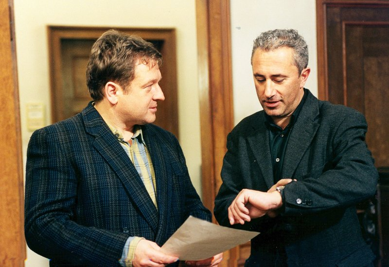 Von links: Kurt Deibler (Vitus Zeplichal) und Otto Strunz (Robert Giggenbach). – Bild: Bayerisches Fernsehen