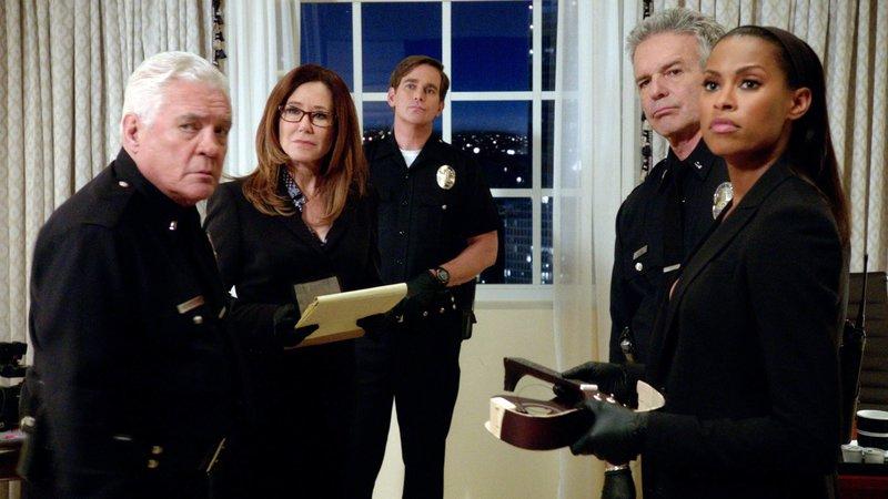 Streng nach Vorschrift (Staffel 4, Folge 4) – Bild: Warner Bros worldwide TV