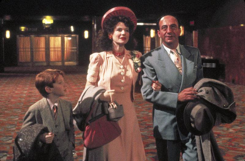 Seth Green (Joe Needleman), Dianne Wiest (Tante Bea), David Warrilow (Roger). – Bild: ORF