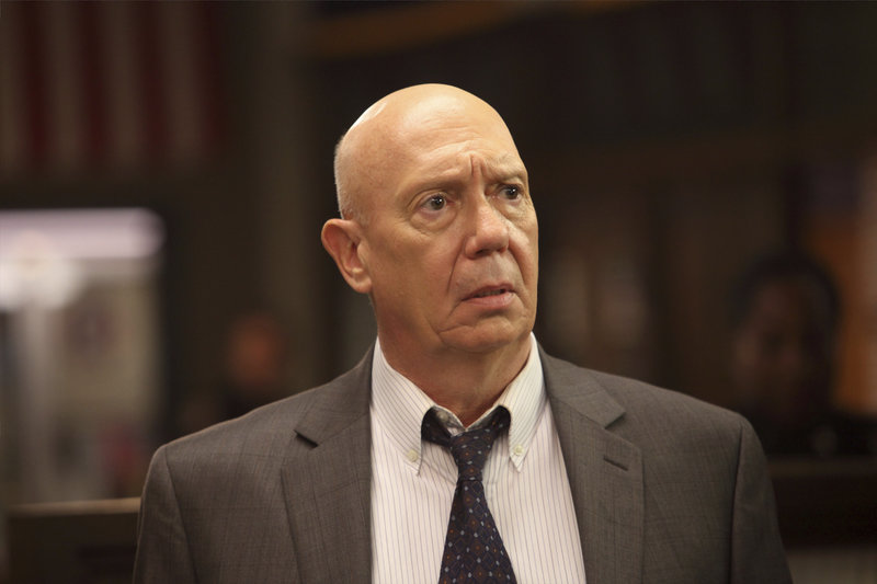 "-- ""Justice Denied"" Episode 1318 -- Pictured: Dann Florek as Captain Donald Cragen -- (Photo by: Eric Liebowitz/NBC) – Bild: Universal Channel"