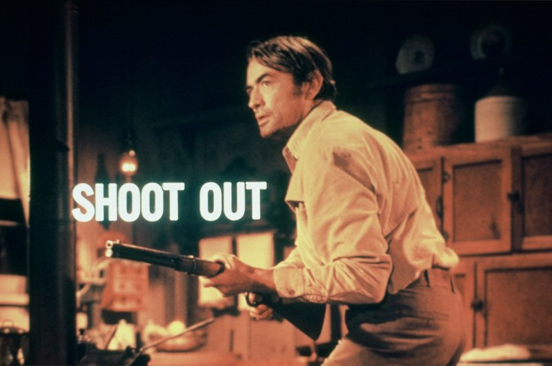 Nachdem er bei einem gemeinsamen Banküberfall von seinem Partner sam niedergeschossen wurde, will Clay Lomax (Gregory Peck) nun Rache ... – Bild: Universal Pictures Lizenzbild frei