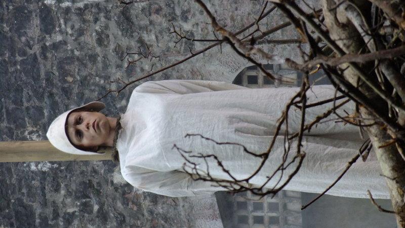 04 DRAMA Joan at the stake, awaiting execution.jpg