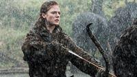 Ygritte (Rose Leslie) kann nicht fassen, daß Jon Schnee sie und die Wildlinge verraten hat.. – © RTL II