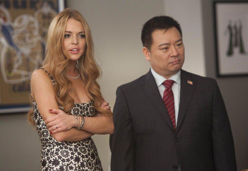 Lindsay Lohan (spielt sich selbst, l.) und Martin (Rex Lee, r.) – Bild: Passion