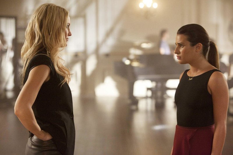 Cassandra (Kate Hudson, l.) und Rachel (Lea Michele) – Bild: Passion