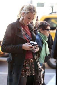 Die Abwesenheit von Gossip Girl verhilft Serenas (Blake Lively) Blog zu großer Popularität ... – © Warner Bros. Television Lizenzbild frei