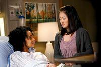 """""""Grey's Anatomy"""", """"Soloauftritt."""" Derek wird die Belastung von Beruf und Familie zu viel: er soll unterrichten, operieren und Familienvater sein. Alles auf einmal gelingt unmöglich. Während Meredith Cristina bei ihrer Dankesrede hilft, sollte Derek eigentlich die Kinder abholen. Doch Derek hat sich für seine OP entschieden. Als Meredith davon erfährt, macht sie sich um das Wohlergehen ihrer Kinder Sorgen.Im Bild (v.li.): Raney Branch (Nova Jenkins), Amy Okuda (Chelsea Ansell). – © ORF eins"""