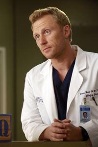 Hat eine schlechte Nachricht für Alex und Jo: Owen (Kevin McKidd) ... – © ABC Studios Lizenzbild frei