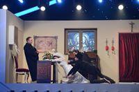 """Im Spiel """"Rutschpartie"""" wartet eine ganz besondere Herausforderung auf (v.l.n.r.) Alexis Kara, Jeannine Michaelsen, Luke Mockridge und Oliver K. Wnuk ... – © SAT.1 Eigenproduktionsbild frei"""