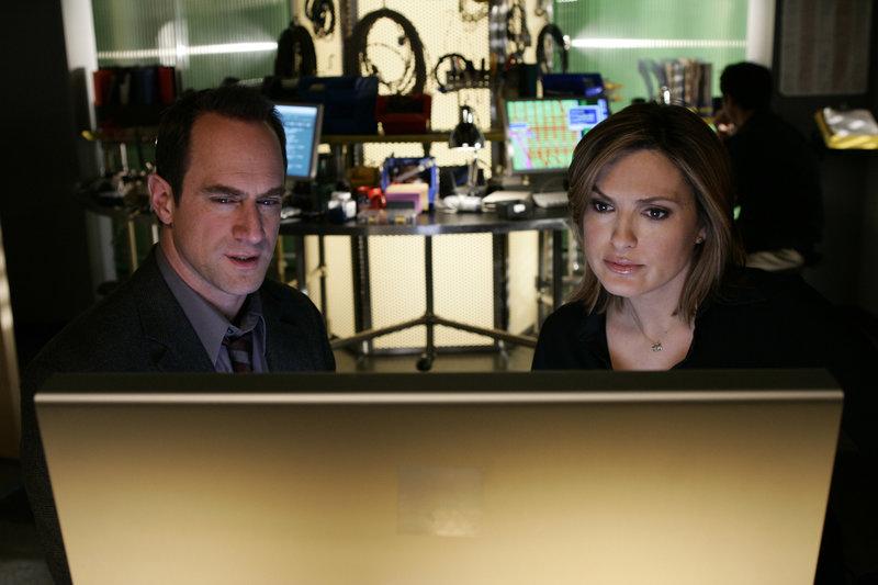 Beeinflusst (Staffel 7, Folge 22) – Bild: Universal Channel