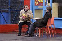 Ronnie Brooks (Bradley Walsh, l.) und Matt Devlin (Jamie Bamber) – Bild: RTL NITRO