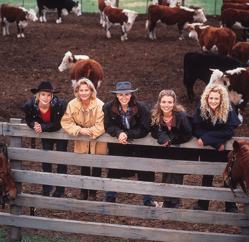 Quality: 2nd Generation. Programme Name: Mcleods Daughters - Season 1. For further information please contact Crown Media International Publicity Department on 020 7368 9100. – Bild: Hallmark Channel