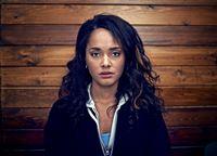 (5. Staffel) - Eigentlich wollte Jess (Karla Crome) im Gemeindezentrum lediglich ihre Strafe abarbeiten, doch dann kommt alles ganz anders ... – © Clerkenwell Films/C4 Lizenzbild frei