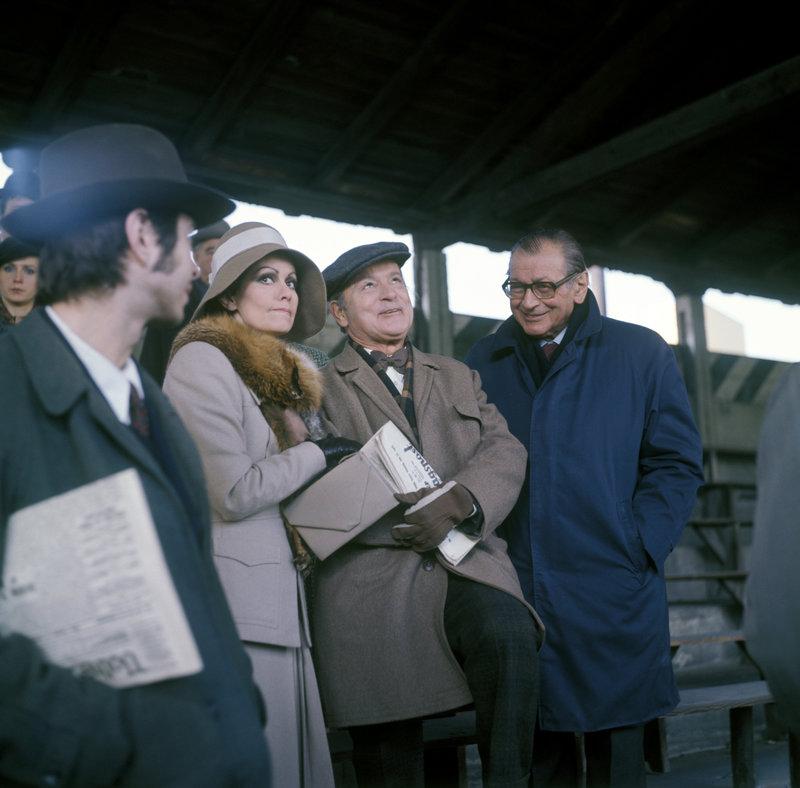 Edith Leyrer (Frau Schneeberger), Harry Fuss (Herr Schneeberger), Friedrich Torberg. – Bild: ORF
