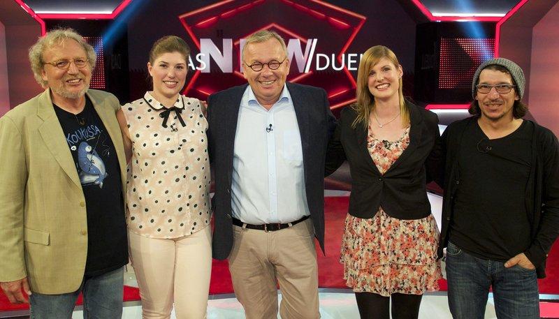 Moderator Bernd Stelter (M.) mit den Kandidaten (v.l.n.r.): Reinhard Vogt, Ramona de Groot, Svenja Gerten und Christian Weber. – Bild: WDR