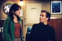 Suchen Hinweise zur Aufklärung eines neuen Falles: Tony (Michael Weatherly, r.) und Kate (Sasha Alexander, l.) ... – Bild: CBS Television Lizenzbild frei