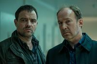 """Vincent Ruiz (Juergen Maurer, l.) und Dr. Johannes """"Joe"""" Jessen (Ulrich Noethen, r.) – © ZDF und Marion von der Mehden"""