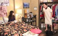 Jess (Zooey Deschanel, l.) zieht zu Nick (Jake Johnson, r.) ins Zimmer, doch schon die erste Nacht bringt geheime Angewohnheiten ans Licht und erweist sich als echte Belastungsprobe für die beiden ... – © 2013 Twentieth Century Fox Film Corporation. All rights reserved. Lizenzbild frei