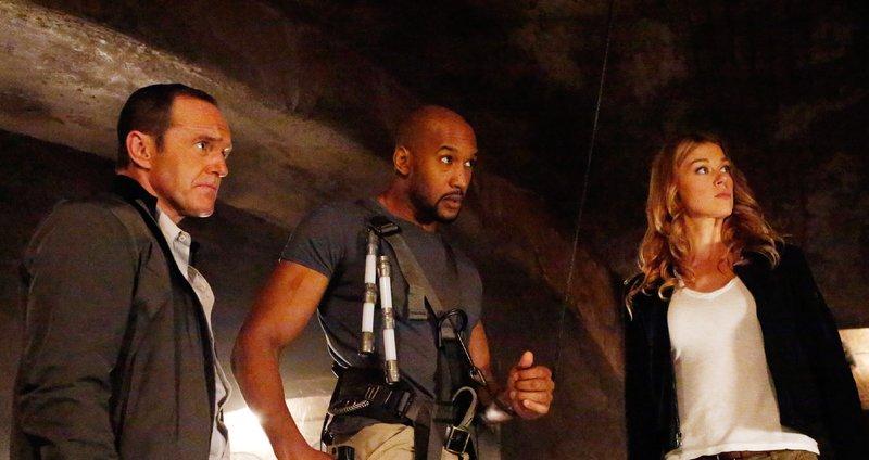 (v.l.): Phil Coulson (Clark Gregg), Mack (Henry Simmons) und Bobbi Morse (Adrianne Palicki) – Bild: MG RTL D / ABC Studios