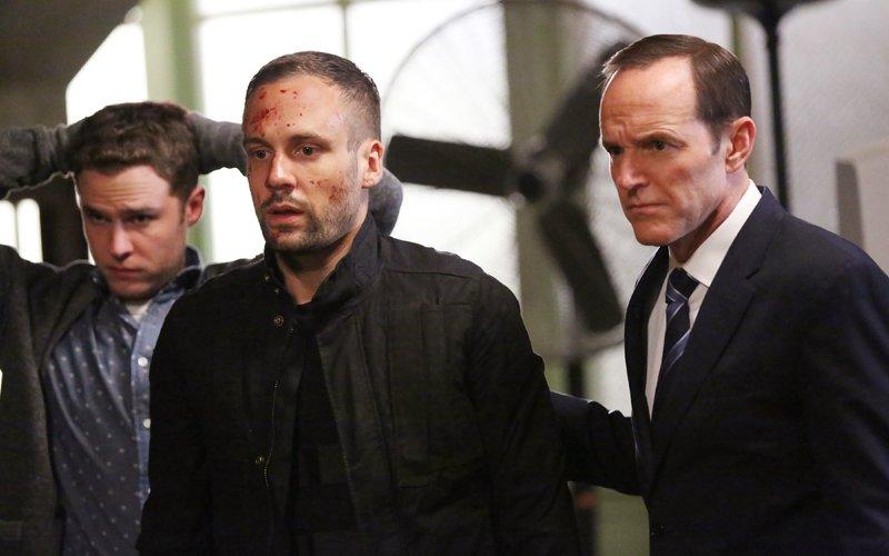 v.l.: Leo Fitz (Iain De Caestecker), Lance Hunter (Nick Blood), Phil Coulson (Clark Gregg) – Bild: MG RTL D / ABC Studios