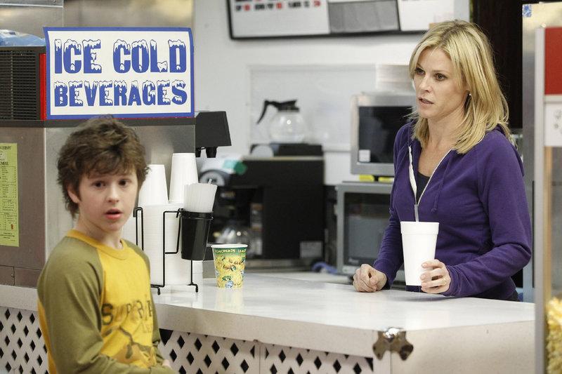 Luke (Nolan Gould) und Claire (Julie Bowen) – Bild: MG RTL D / FOX