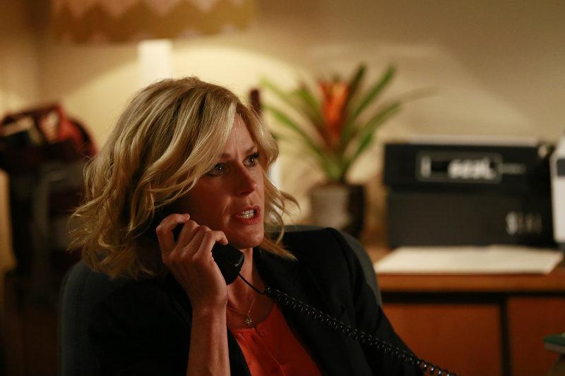 Claire (Julie Bowen) – Bild: RTL NITRO / FOX