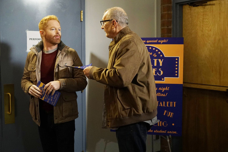 Mitchell (Jesse Tyler Ferguson, l.), Jay (Ed O'Neill) – Bild: RTL NITRO / FOX